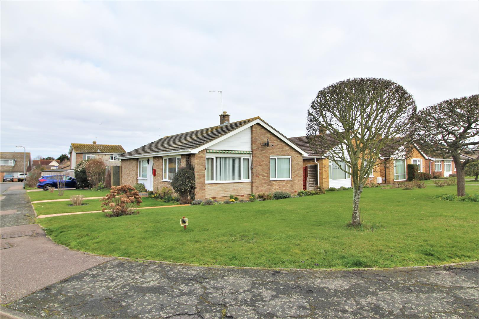 Dugmore Avenue, Kirby-Le-Soken, Essex, CO13 0ED